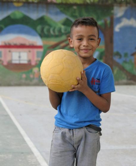 unhcr-shop-regali-virtuali-Giocattoli-e-palloni-per-bambini